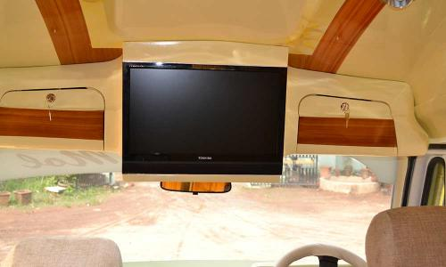 traveller-interior-attached-television
