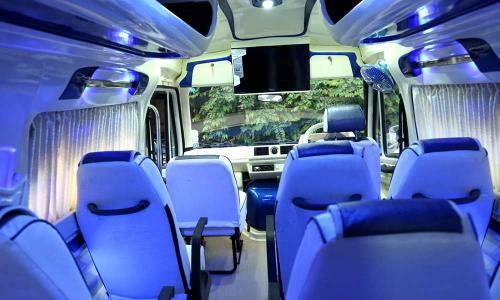 traveller-interior-blue-light-affects-seat-color