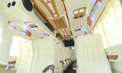 traveller-interior-roofing-seating