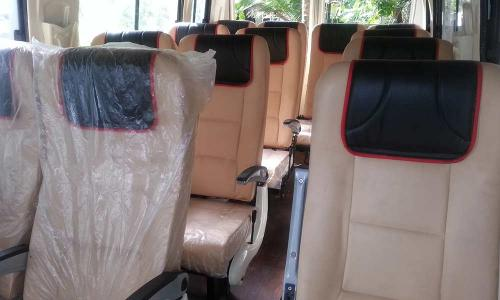 traveller-interior-white-seating-black-cover