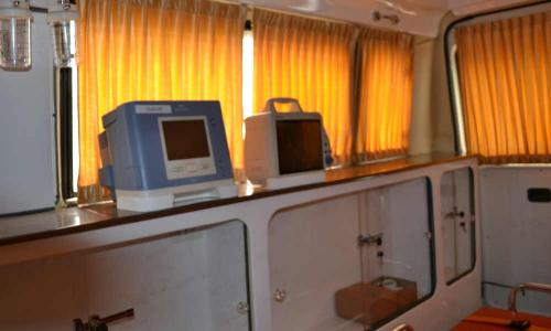 large-ambulance-interior-with-medical-equipments