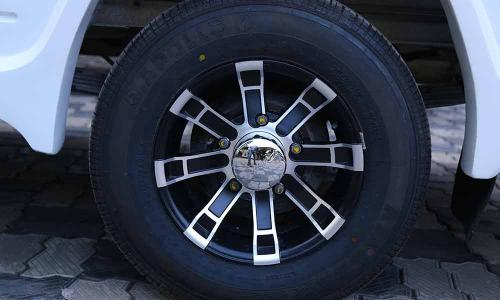 caravan-exterior-upgraded-wheel-alloy