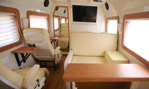caravan-interior-spacious-luxurious