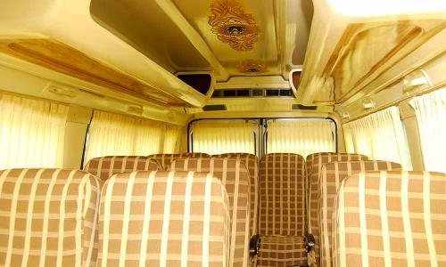traveller-interior-brown-checkered-seating